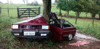 Dois jovens sofrem acidente próximo ao Jardim Mirante em Andradas