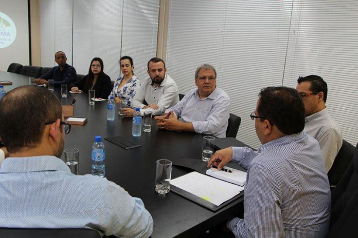 Água: Prefeito visita Extrema para discutir as dificuldades de abastecimento