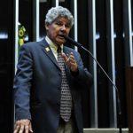 Chico Alencar anuncia prisão de Cunha
