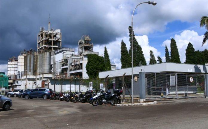 Empresa fecha unidade e demite mais de 200 funcionários em Poços