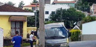 Motorista de van escolar morre após sofrer infarto enquanto dirigia