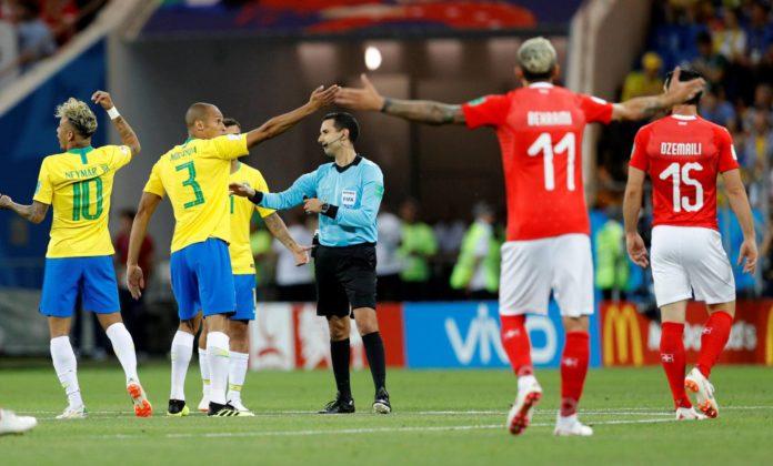 Brasil estreia com empate